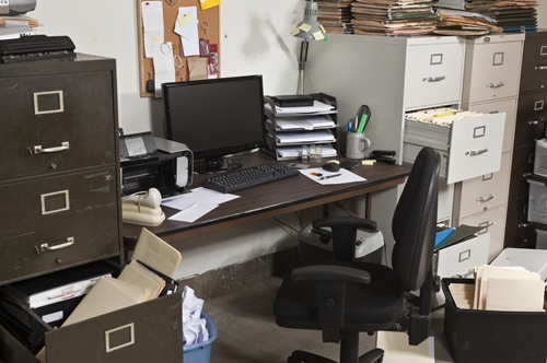 How to Clean & Organize to Declutter Your Office Space